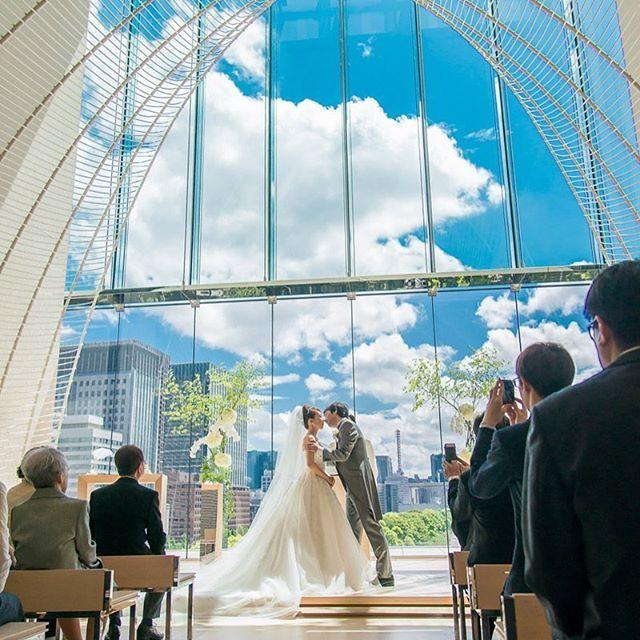- Blue sky - 風景撮影のテクニックが活きます  #photostudiodays #パレスホテル東京 #palacehoteltokyo#フォトスタジオデイズ#右近倫太郎 #weddingphoto#wedding#weddingphotographer #ウェディングフォトグラファー#結婚式カメラマン#結婚式準備 #ウェディングカメラマン #前撮り#ウェディングフォト#プレ花嫁#結婚式#2016wedding #挙式当日 #weddingdress #キス #卒花嫁#チャペル#イマソラ#青空#5月の空