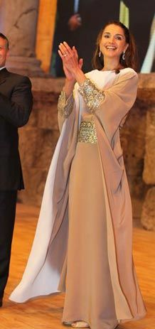Queen Rania of Jordan wearing a gorgeous abaya - Whoever said Abayas are old fashioned!