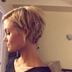 From @krissafowles - #pixie #shorthairdontcare #blonde
