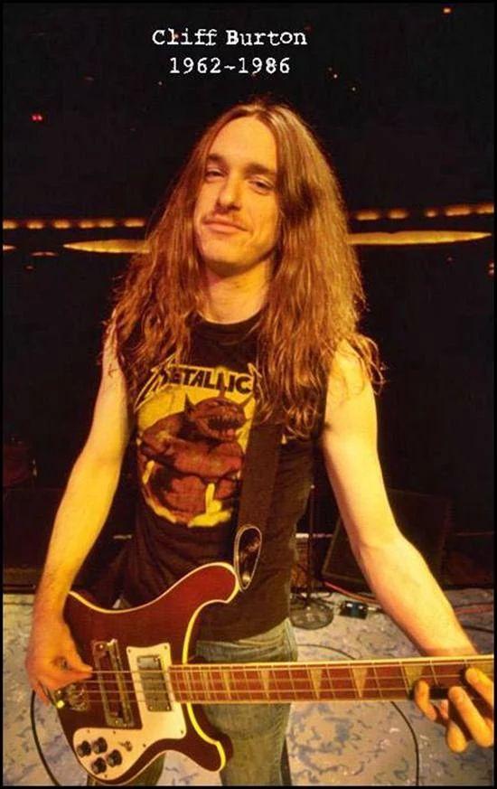 Cliff Burton-Metallica.......