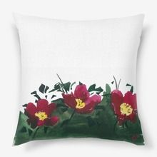 Подушка «красные цветы»