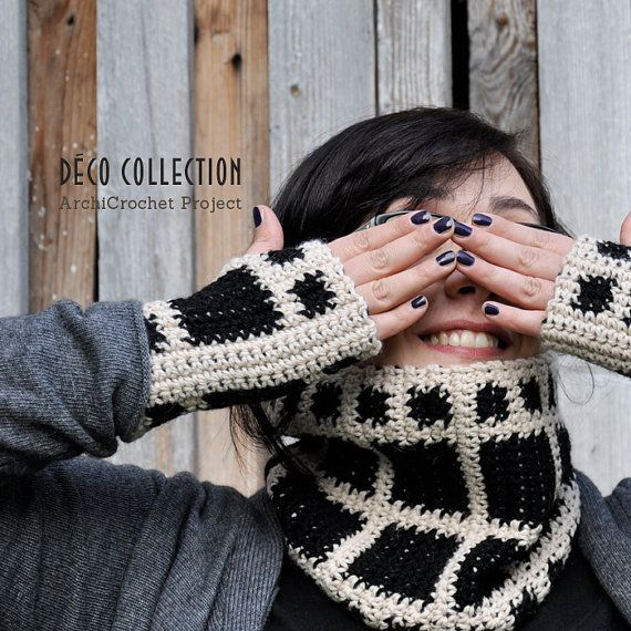 Fingerless gloves in alpaca, geometric hand warmer, deco style mittens, handmade in Italy