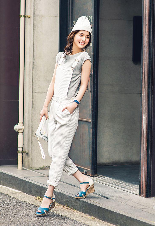 佐々木希みたいにはきたい♡おすすめのウェッジソールサンダル6つ | with 2015年8月号 | iQON(アイコン)