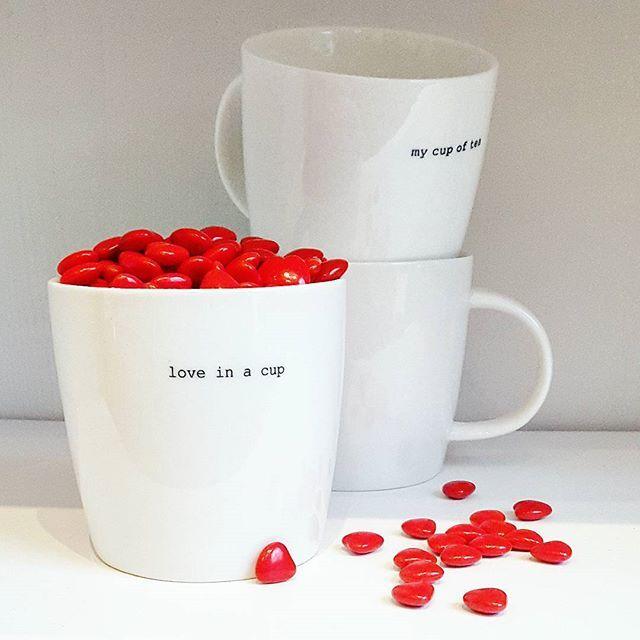 """@breeze_gaver_og_interior : ❤14 februar er det Valentinsdag❤ Hva synes du om nyheten """"Love in a cup"""" fra Sögne Home? Nydelig i kombinasjon med våre smakfulle sjokolade hjerter. #breeze_gaver_og_interior #stavangersentrum #interiør #hospitalsgata #brukbyendin #sögnehome #thespicetree #valentinsdagen #valentine"""