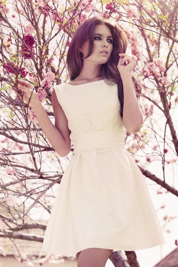 adorable dress for spring and summer.Dresses Wedding, Little Dresses, Johanna Johnson, Rehearsal Dinner, Bridesmaid Dresses, Receptions Dresses, Johannajohnson, Wedding Style, Little White Dresses