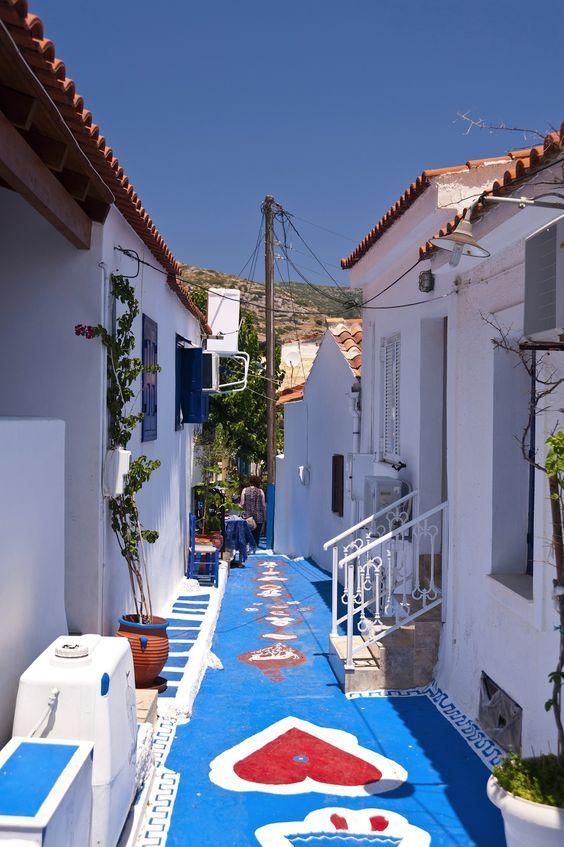 Bunte Straße auf der Insel Samos...