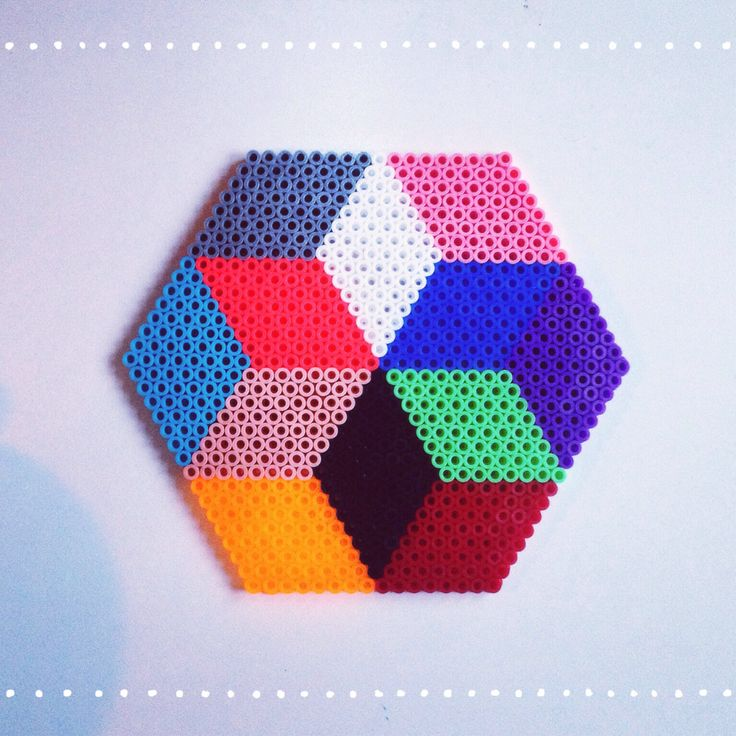 Star hama perler pattern design by Sara Seir