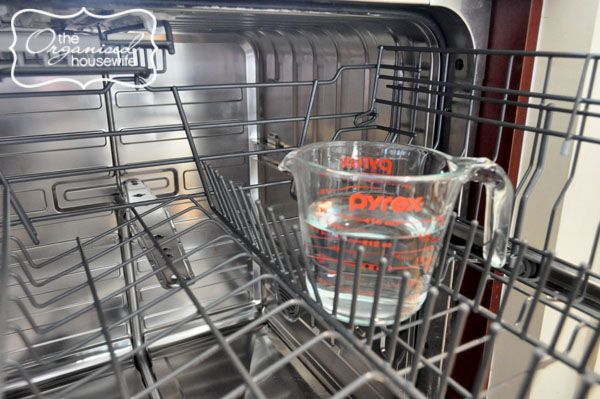 {The Organised Housewife} 20 Days to Organise and Clean your Home - Cleaning the Dishwasher