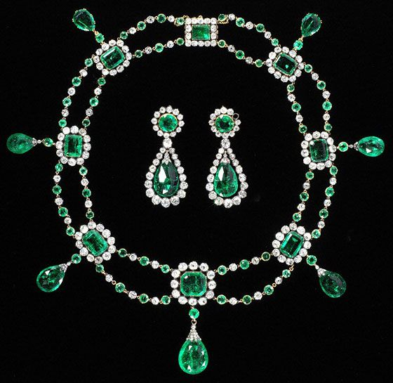 Circa 1806 diamond and emerald parure commisisoned to Nitot by Napoleon as a marriage present for his niece Stephanie de Beahurnais.