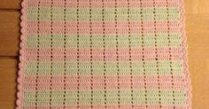 Håndklæde 1 Håndklædet måler 35cm. x 49cm, og er hæklet i 100% bomuld, løbelængde 170, på nål 2, håndklædet er hæklet frem og til...