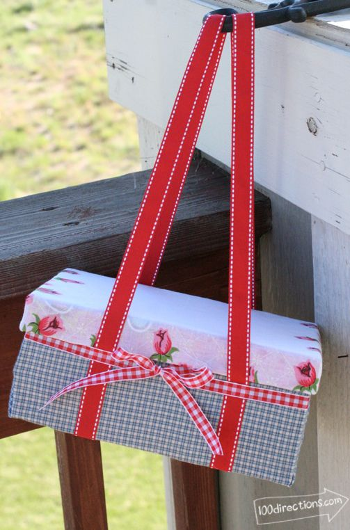 Make the cutest picnic box ever Tutorial - Make for teacher appreciation lunch for each teacher!  Love it!