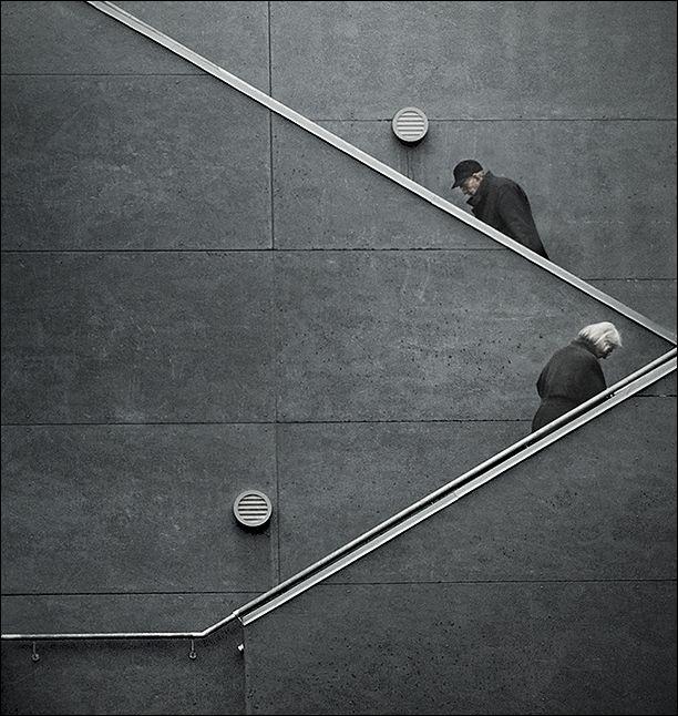 Em busca de escadas simétricas
