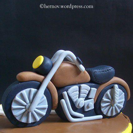 Aldy's Motorcycle Birthday Cake | hernov patisserie