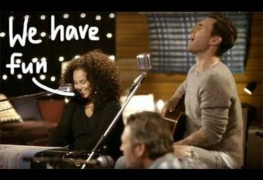 Alicia Keys, Adam Levine, Gwen Stefani, & Blake Shelton Deliver An EPIC Acoustic Cover Of TLC's Waterfalls For The Voice — Watch!