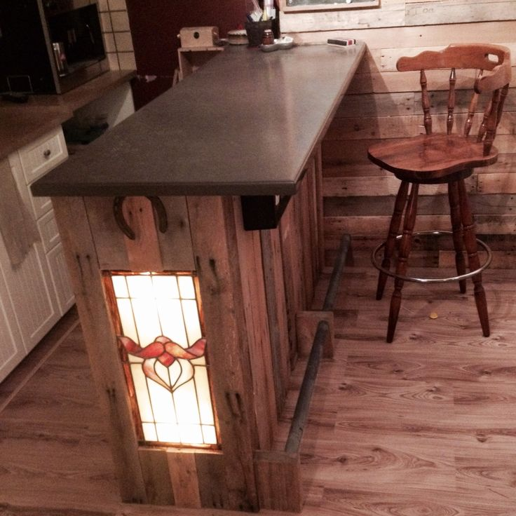 Mon bar en bois de palette pallet wood bar id e for Idee palette bois