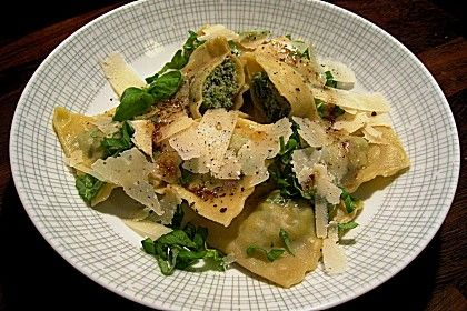 Ravioli selbstgemacht - mit Schinken - Spinat - Parmesan - Füllung (Rezept mit Bild) | Chefkoch.de