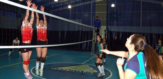 La #UMAYOR no cede el liderato #deporte #universidad #voleibol #femenino