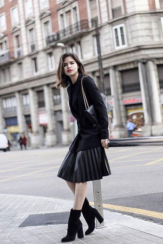 1288c67d0b83 35 Classy Office Wear Looks For Fall  Fashion blogger  Gadriana  wearing a  black blazer