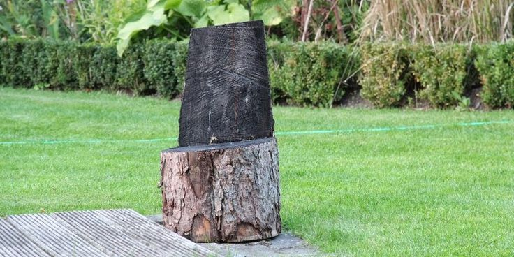 KOM OG SÆT DIG - A tree trunk-chair for your garden