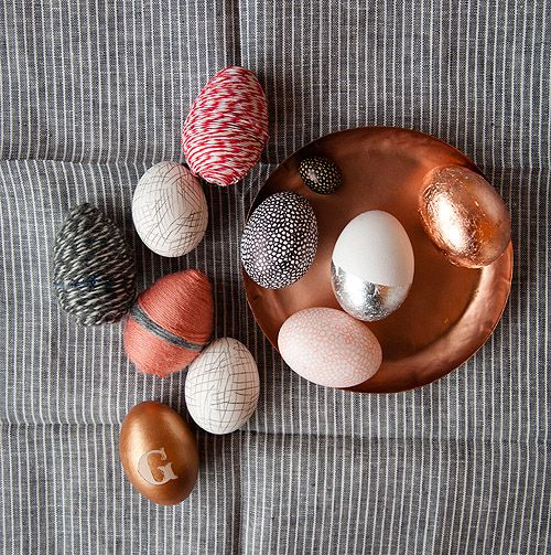 Small Measures: Naturally Dyed Eggs | Design*Sponge