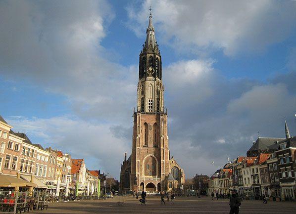 Die Nieuwe Kerk (Neue Kirche) am Marktplatz in Delft - Mittelpunkt der Stadt von Wilhelm dem Schweiger und Johannes Vermeer, die sich so zu Besichtigungen bei einer Stadtführung lohnt!  www.kukullus.nl