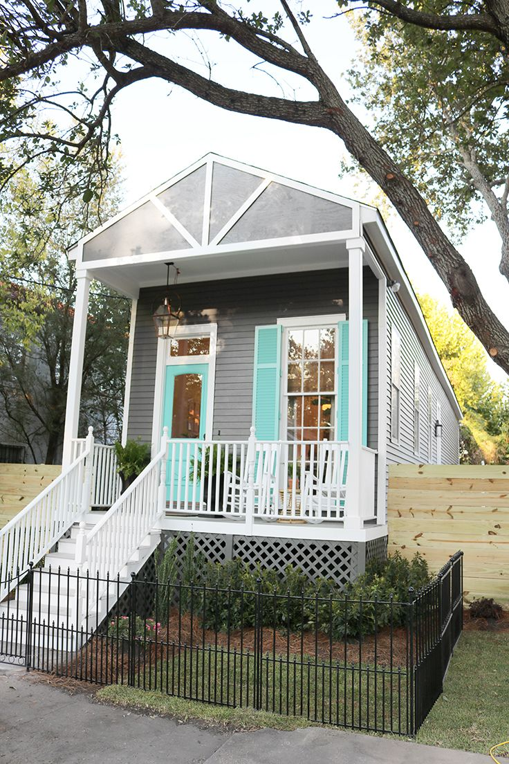 Sarah Martzolf restores a rundown shotgun house in New Orleans, creating an amazing, functional home, from an incredibly small space using Waypoint® Cabinetry. See it on HGTV Friday, February 26 at 12 pm / 11 central. Be sure to tune in this Friday or record it for future viewing.