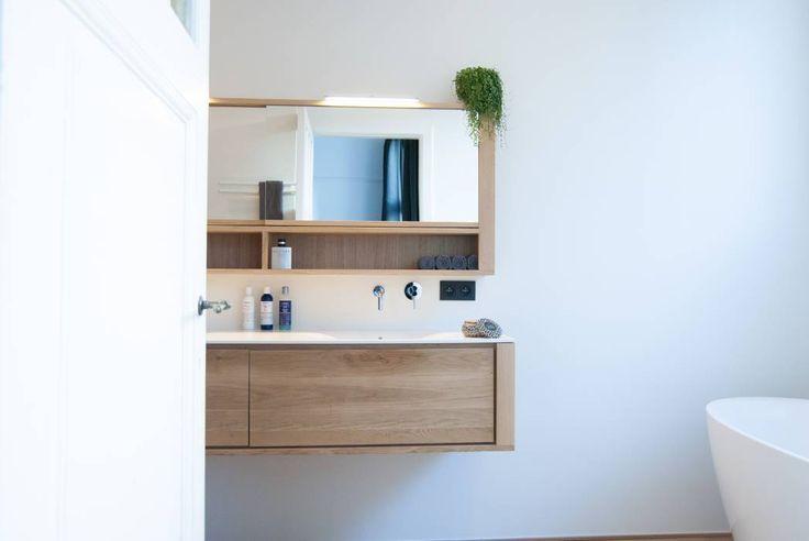 Project 09 - Renovatie van een badkamer te Berchem: moderne Badkamer door ICONcept