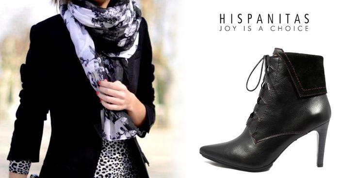 Incaltamintea stiletto, indiferent de forma sau culoare, in continuare domina acest sezon. Le poti accesoriza foarte usor la o tinuta formata dintr-o fusta dreapta midi si cu un sacou negru. - Hispanitas black anckle boots outfit -