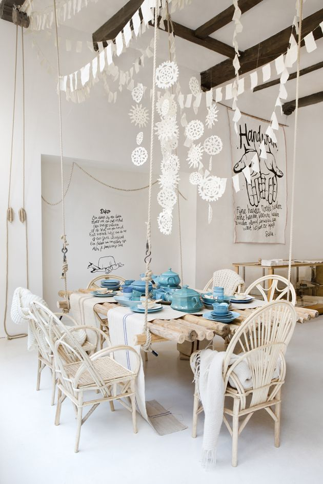 Love the paper decorationsDecor, Ideas, Sukha Amsterdam, Dining Room, Parties, Interiors, Paper Snowflakes, Dining Spaces, Dining Tables