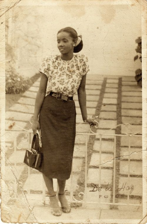 :::::::: Vintage Photograph :::::::: Fashionable,young African American Woman.