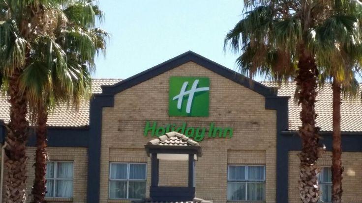 Holiday Inn Exterior Signage #green #hotel #sign #design #fabricated #illuminated #exterior