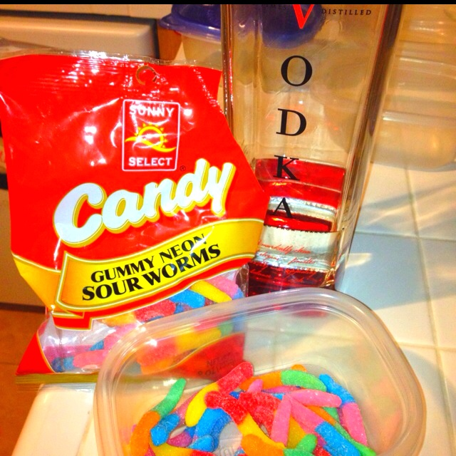 Wasted worms! Sour gummy worms & vodka