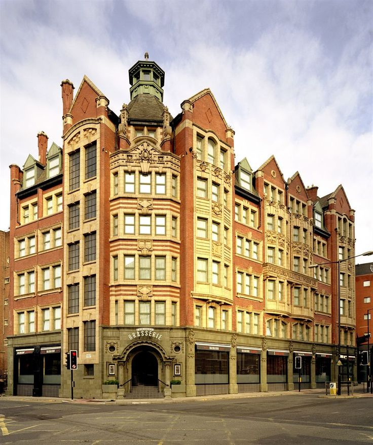 In Manchester S Vibrant Centre The Hotel Also Features A Brerie And Fitness