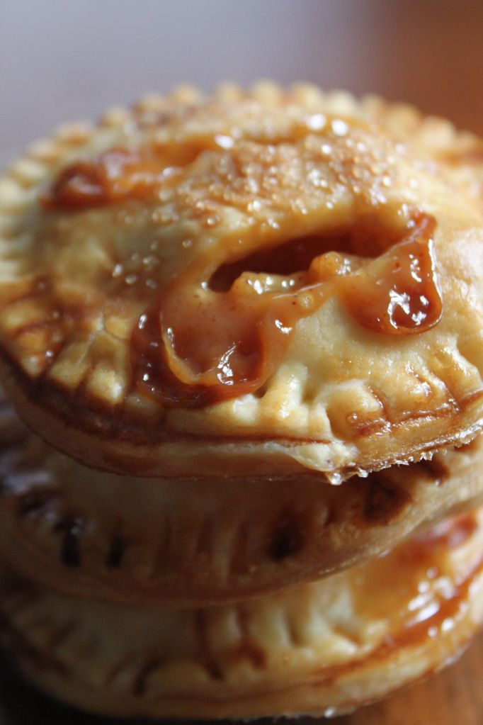 Individual Salted Caramel Apple Pies. Ah-mazing.