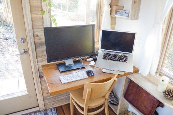 Schreibtischecke Tiny Projekt Mini Haus die Größe eines kleinen Schlafzimmer-Designs von Alek Lisefski