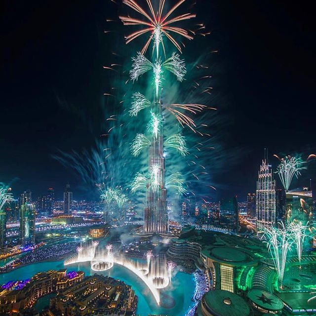 Happy 2017!!!!  Dubai. By @faz3 | http://ift.tt/2b7Z089 #travel #destination #places for #rich #vacation and #holiday around #world. #Get #hotels #Deals at http://ift.tt/2b7Z089 #natgeotravel #agoda #expedia #lonelyplanet