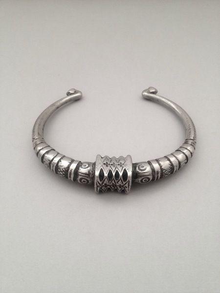 Pakistan, Sindh Province, Sindhi people. Torque. Silver alloy