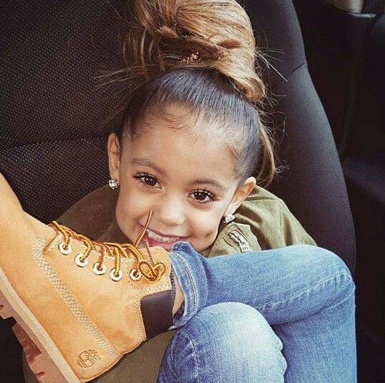 She beautiful what I want my future daughter to be lookin like n she dabbin