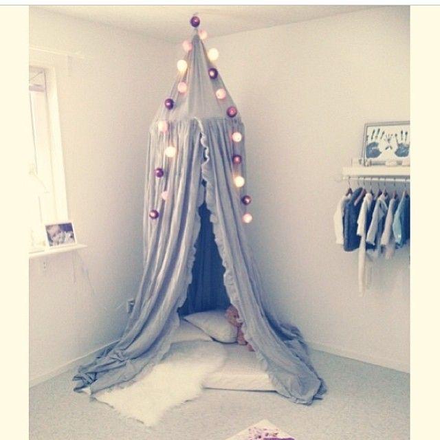 #ShareIG Älskar sänghimlar  här är @emeliieh  mysiga koja. #barnrumsinspo #ellos
