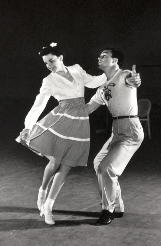 Judy Garland & Gene Kelly rehearse a number for For Me and My Gal, 1942.(via Old Pics Archive on Twitter)