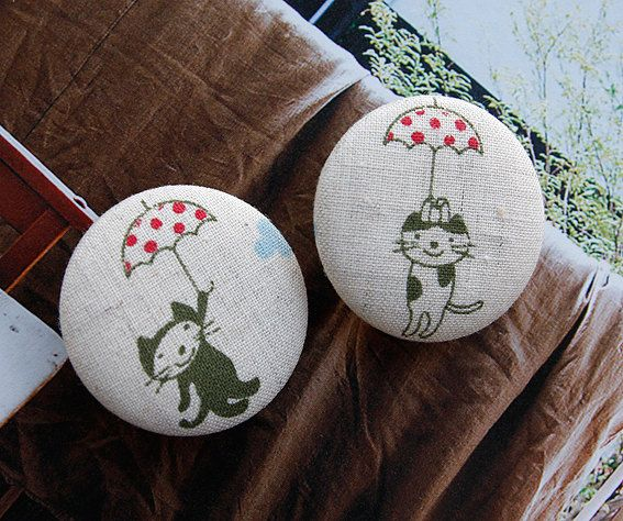 Awesome fabric cat button