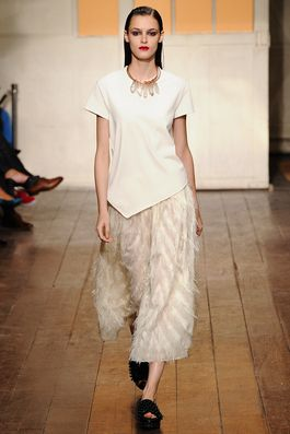 Cédric Charlier Spring 2015 Ready-to-Wear Fashion Show: Complete Collection - Style.com