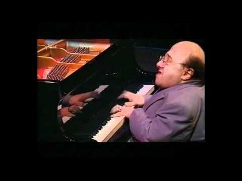 Michel Petrucciani - Estate (Summer in Italia) Live at Montreux 1990 - YouTube