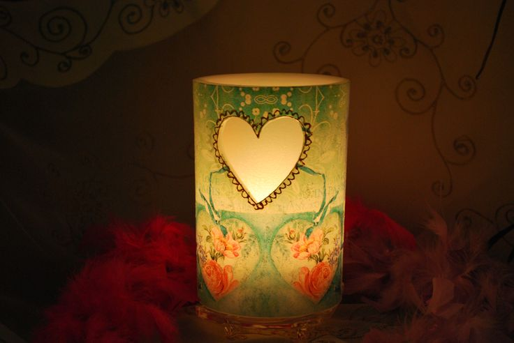 Κερί φαναράκι , με σκαλιστή καρδιά.