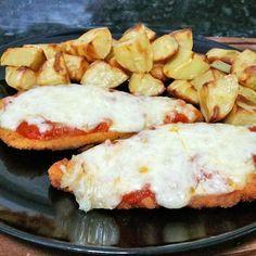 Esta receta de escalopines de pollo a la napolitana es muy fácil de preparar. El plato es uno de los ganadores de nuestro concurso Recetas con pollo.