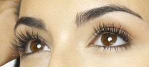 Do Eyelashes Grow Back? Find the Answer
