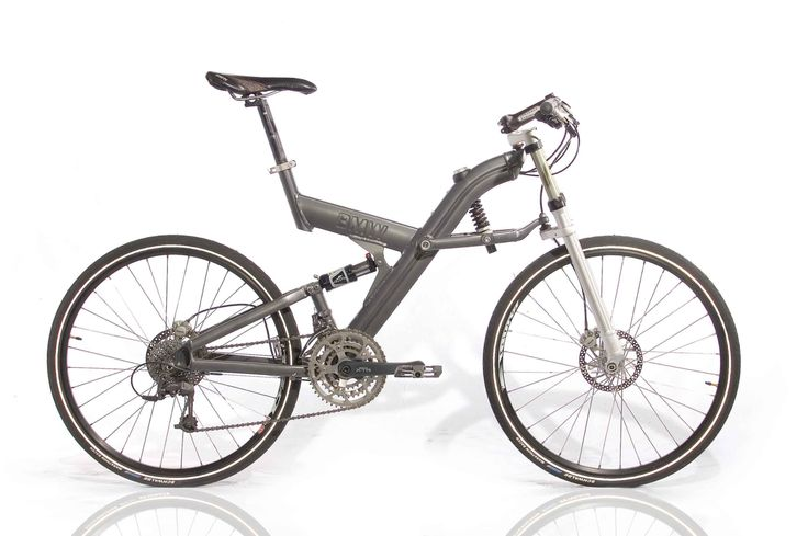 """BMW Q 6  GER  Frame: Aluminium varnished  Bicycle gearing: 3x9  Brakes: Disc Brake / Disc Brake  Tyres: 26"""" Wired Tyre / 26"""" Wired Tyre  Weight: 30,64 lbs"""