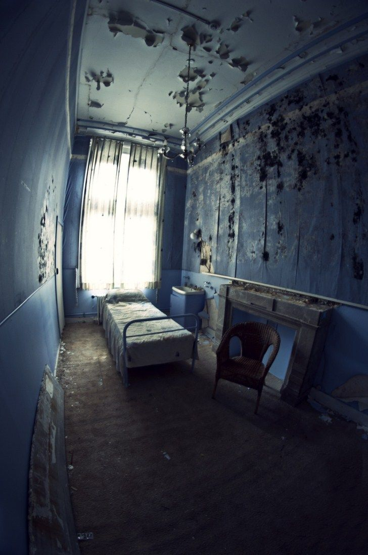 915 best images about Abandoned Rooms on Pinterest ...