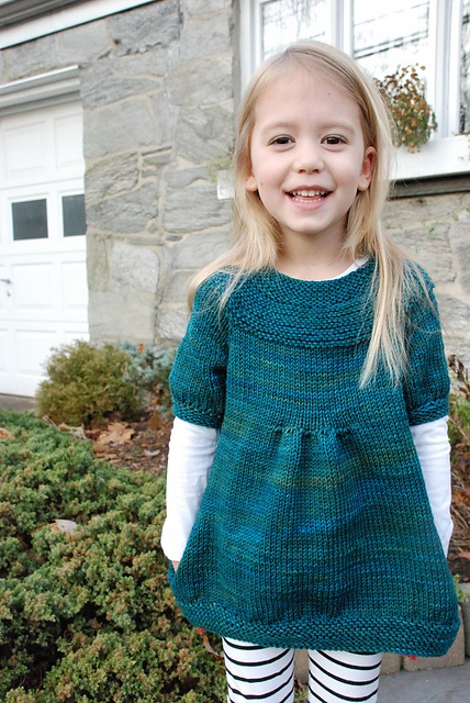 Ravelry: Project Gallery for Bulle pattern by Karen Borrel