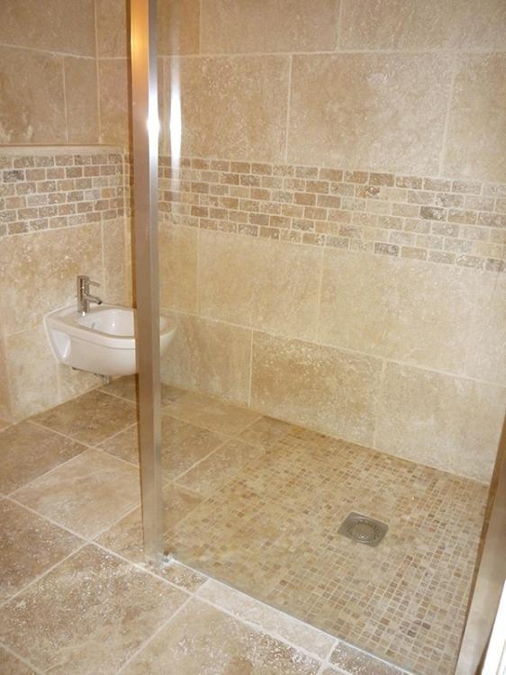 Douche italienne travertin salle de bain douche italienne - Enlever calcaire carrelage salle de bain ...